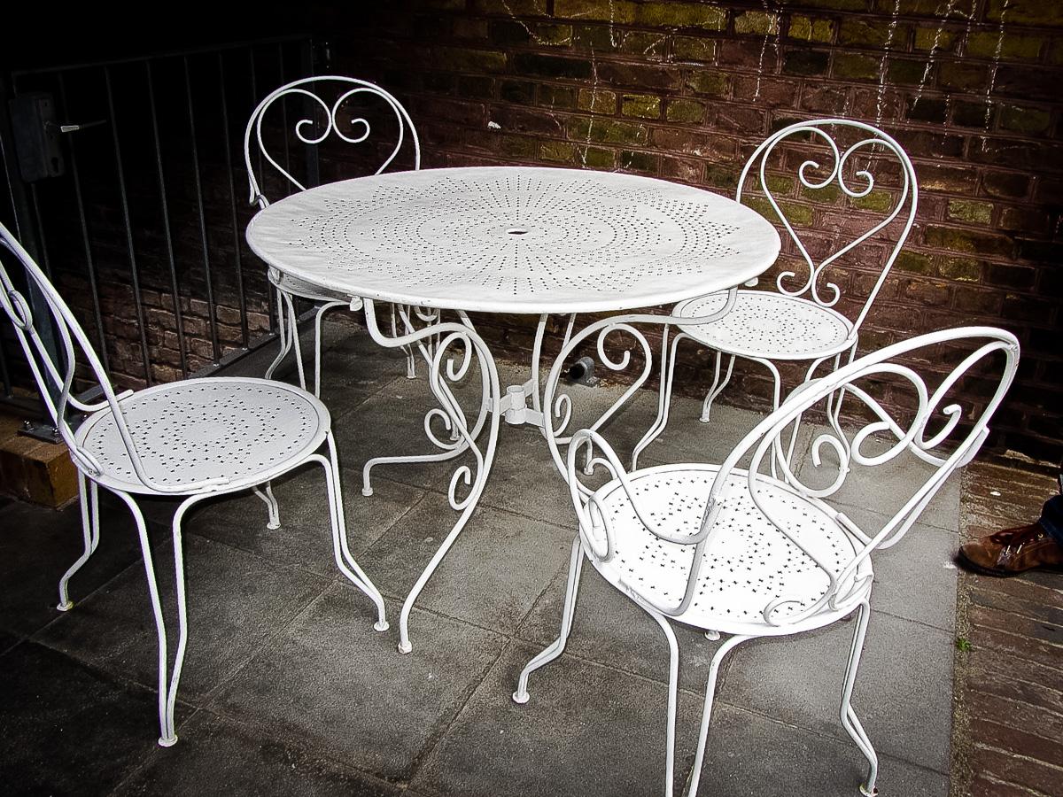 gartentisch mit 4 st hlen trouv ideen objekte. Black Bedroom Furniture Sets. Home Design Ideas